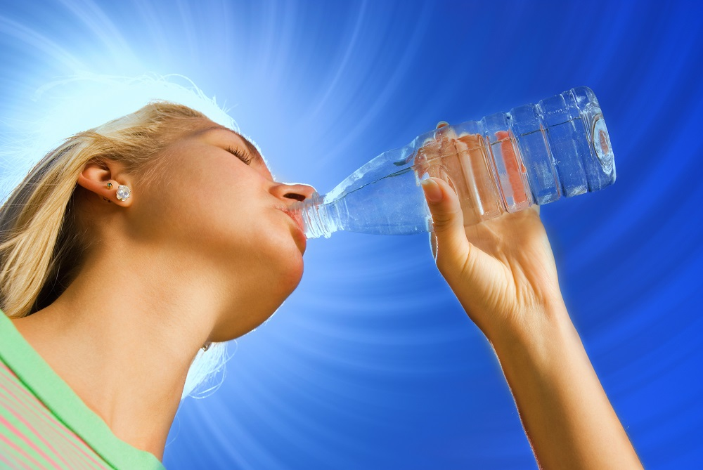Why Drinking Ample Water Is A Good Idea During Summer